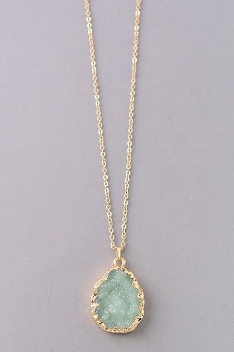 - Approx. 18 inch chain, with a 3 inch extension. - Druzy pendant is 1 inch long. Please note: Each stone is one of a kind. Please allow for slight variations in color. Clothing, Shoes & Jewelry : Women http://amzn.to/2jASFWY