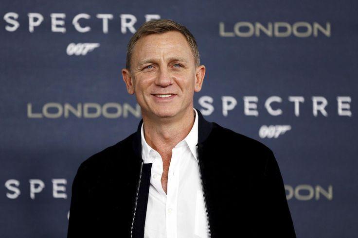 """Daniel Craig Shut Down an Interviewer Who Called Monica Bellucci an """"Older Woman"""""""