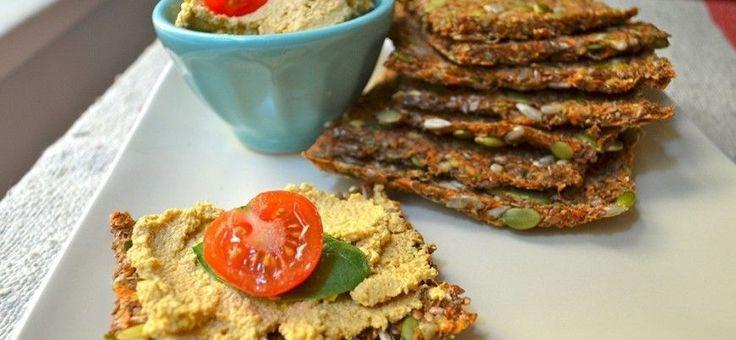 Prepara tu sándwich de manera simple y saludable con este pan de zanahoria sin harinas.