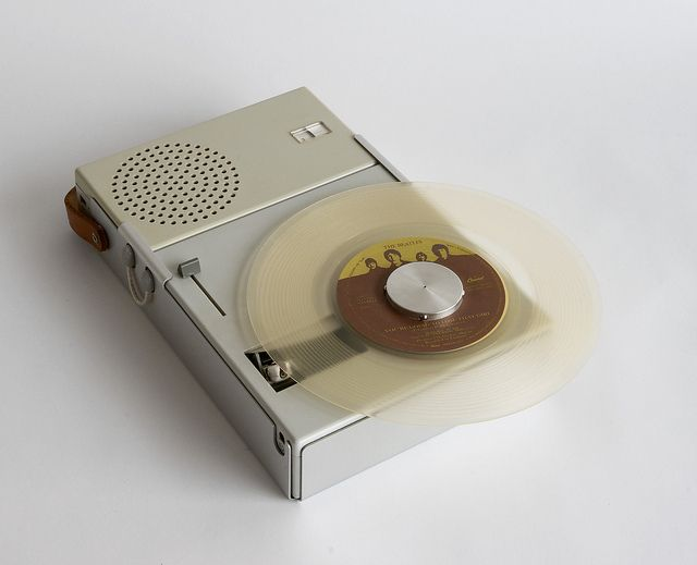 Braun TP1    1959 Portable Transistor Radio and Phonograph (model TP 1) (MOMA Collection) Dieter Rams