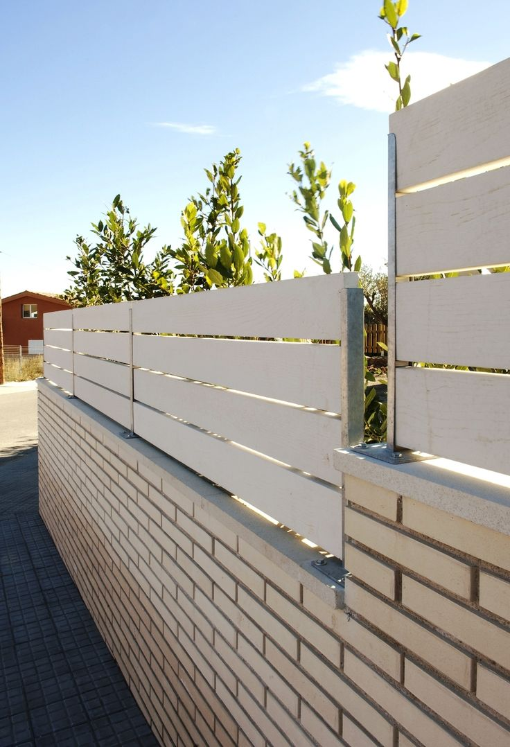 8 best vallas de exterior de madera sinteticas images on pinterest picket fences exterior and - Vallas de metal ...