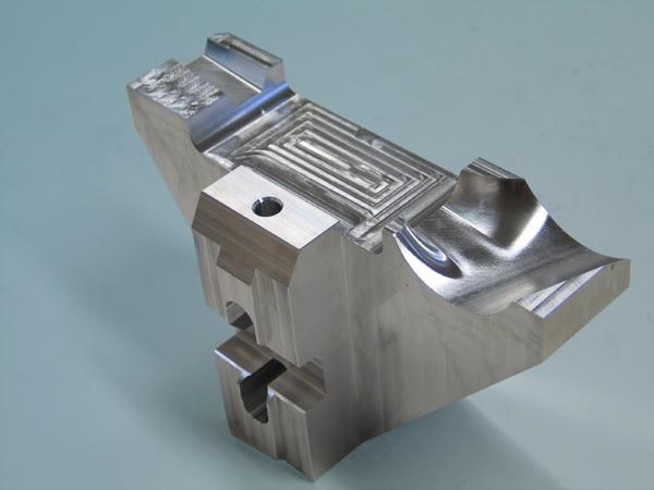 Spannbacke aus Aluminium cnc gefräst cnc bearbeitung