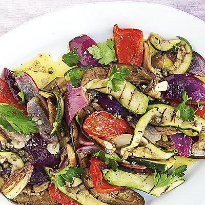 Bild på Grillade och marinerade grönsaker med morotsraita