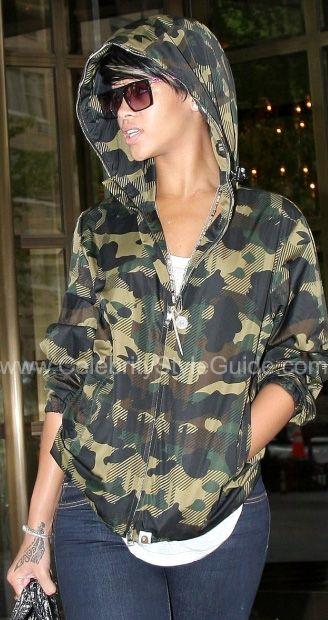 Rihanna Wearing A Camo Jacket Camo Chic In 2019 Camo