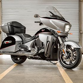 2017 Victory Cross Country Tour Motorcycle - Black