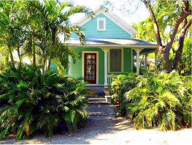 Key west house color schemes fabulous exterior color - Coastal home exterior color schemes ...