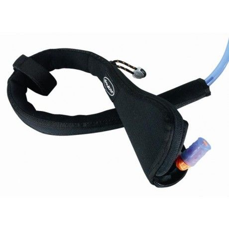 Protects your drinking tube in cold conditions against freezing. This fleece lined flexible neoprene cover is conveniently zipped on and off without removal of the tube from the system. Includes shoulder strap attachment strap. Material: Neoprene / Thermofleece