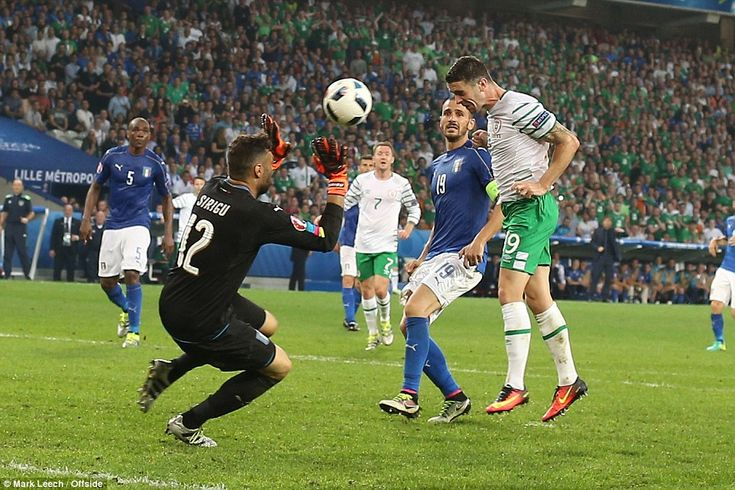 Robbie Brady headed past Salvatore Sirigu to secure the Republic of Ireland a dramatic victory over Italy and safe progress into the last 16