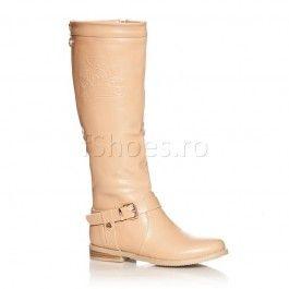 Cizme Noah - Crem Cizmele Noah de culoare crem sunt captusite cu un material plusat menit sa te apere de frig. Aceste cizme iti sculpteaza frumos gamba, fiind mulate pe picior. Cizmele Noah crem sunt foarte calduroase si se asorteaza de minune cu o tinuta casual din jeansi si un pulover XXl roz pal.