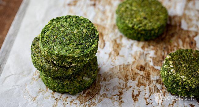 Burger vegani ai ceci e spinaci