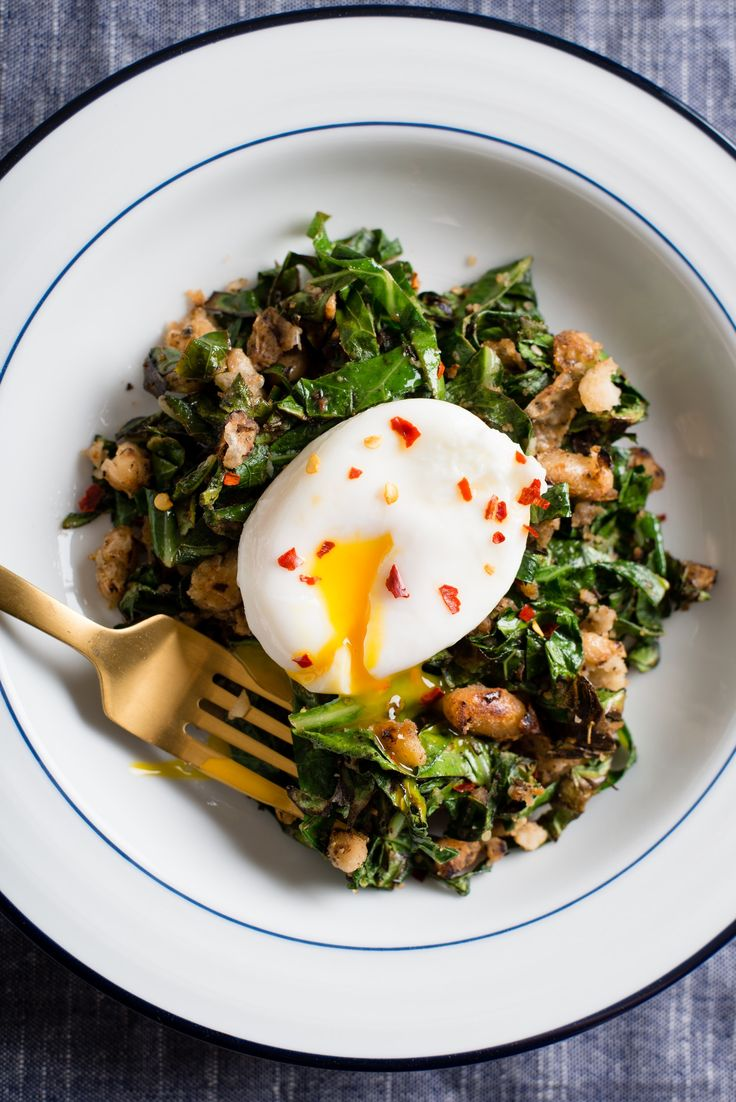 crispy white beans with greens and poached egg