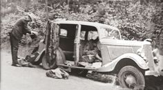 Bonnie and Clyde after ambush.Their bodies are still in car.