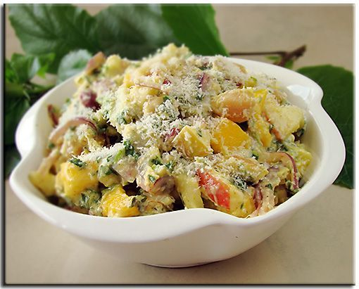 Mango and chickpeas salad (in Russian)