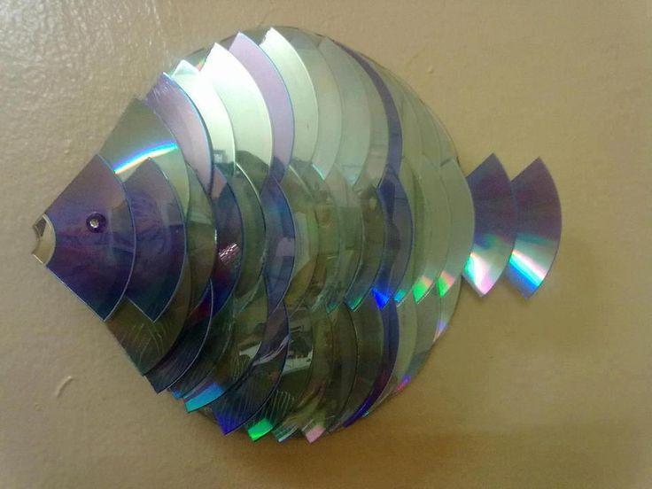 Peixe feito com CDs Mais
