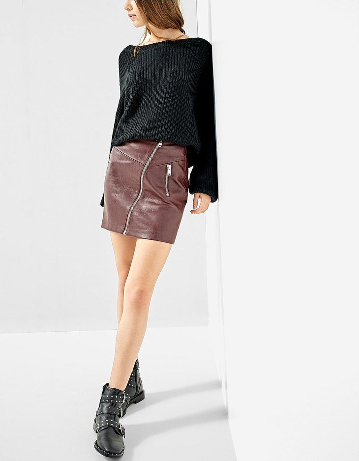 At Stradivarius you'll find 1 Faux leather skirt with diagonal zip for just 17.99 United Kingdom . Visit now to discover this and more Winter Pearls.