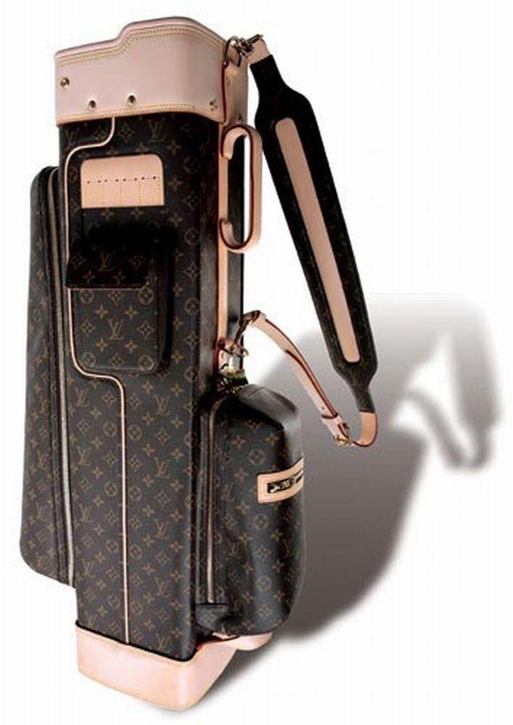 Louis Vuitton per la sacca da golf più chic. http://searchub.com