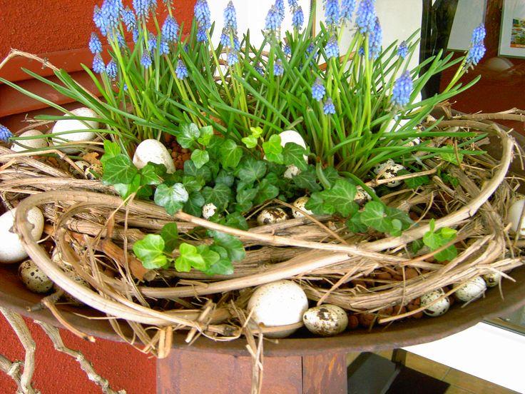 Österliche Frühlingsdeko - Wohnen und Garten Foto