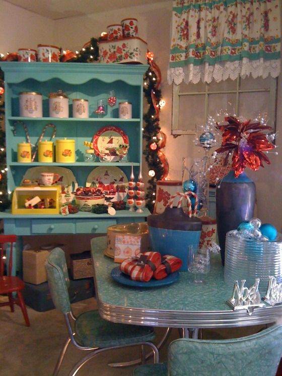 #vintage #retro christmas vintage decor.  We had that dining set back in the sixties.  I wish I had it now.  So nice!