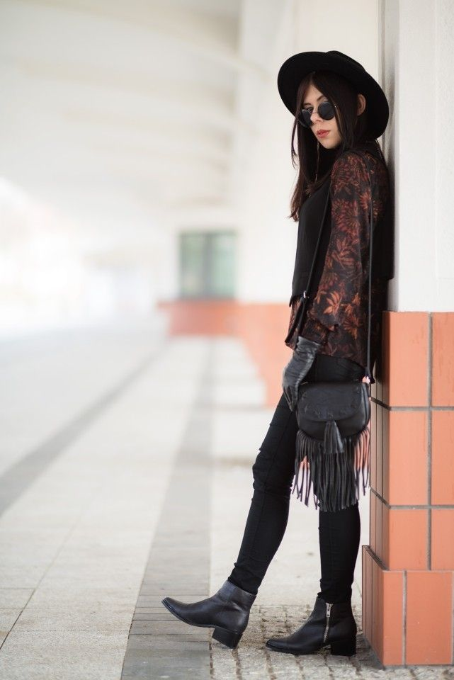 lillymarlenne.blogspot.com  Boho style in the city landscape. OOTD with fedora hat, little bag with fringes, vest and lennon sunglasses.  #boho #bohemian #womensfashion