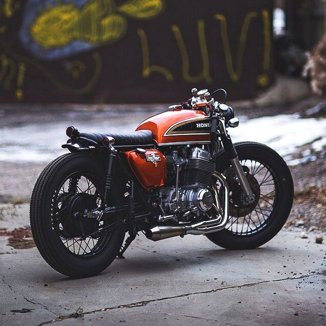 combustible-contraptions: Slammed! Honda 750 Cafe Brat