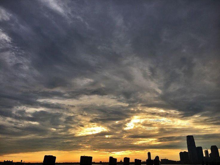 "35 Likes, 4 Comments - @aubrie_in_nyc on Instagram: ""City sunset ✔️💯🌅 . . #today #nyc #newyork #newyorkcity #newyorker #insta_newyork #summer #sky…"""