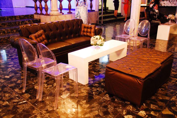 #sala capitoneada #chocolate - bronce con silla victor y ghost y grapa ivory