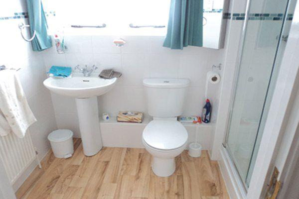 Quer renovar seus banheiros mas só a idéia do quebra-quebra dá arrepios! Pois veja estas dicas para remodelar com o mínimo de desconforto!