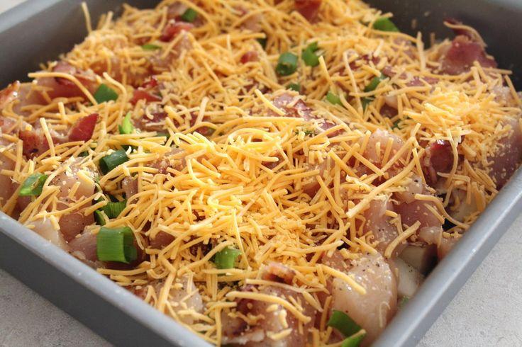 Csirkés rakott burgonya, rengeteg sajttal ez aztán az igazi különlegesség, nem a megszokott recept!
