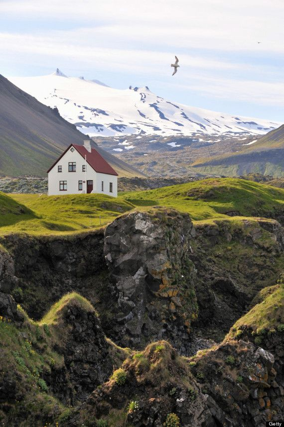 12 Secluded Homes That'll Make Living In The Middle Of Nowhere Look Beautiful