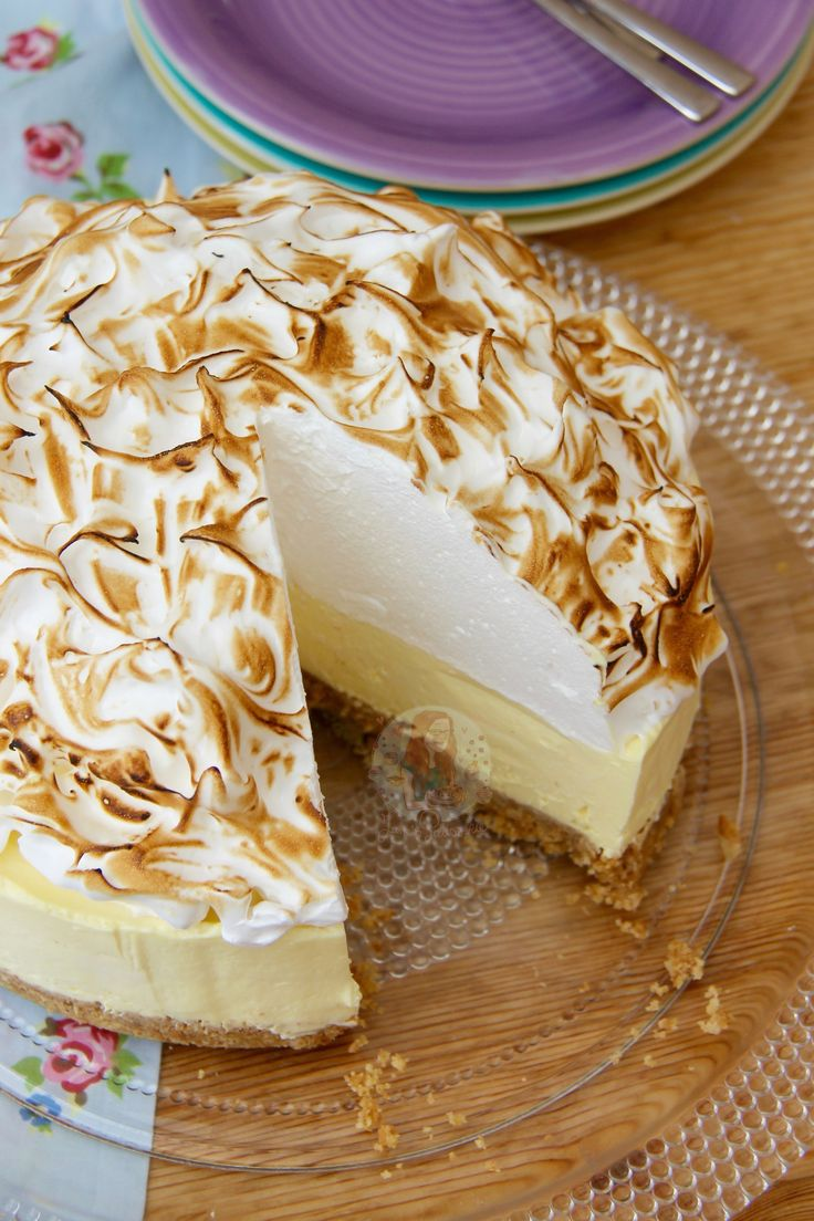 A Buttery Biscuit Base, Smooth Lemon Cheesecake Filling, and an Italian Meringue make this No-Bake Lemon Meringue Cheesecake the perfect Dessert & Showstopper! I honestly don't know what has taken me so long to produce this recipe. I like just can't understand it! I have had a few requests for another few lemon related recipes, and a few of my regular readers have asked for this in particular.. so I simply HAD to do it! I took some inspiration for the recipe from some of my other posts such…