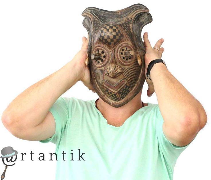 masca ceremoniala Pwoom Itok. cultura tribala Kuba ( Congo )