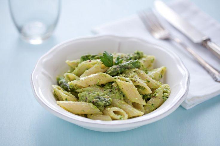 Penne alla crema di asparagi, pistacchi e limone ricetta