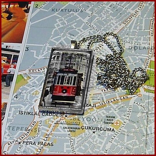 Taksim villamosos nyaklánc. Istanbul ihlette ékszereink közül blogunkon válogathatsz.