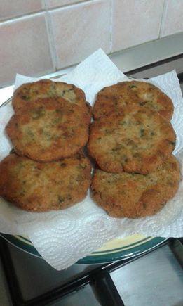Ecco la ricetta per le spinacine Bimby, facili e buonissime! Ingredienti: 300 gr di petto di pollo, 40 gr di spinaci crudi, 1 uovo, 1 cucchiaio di farina...