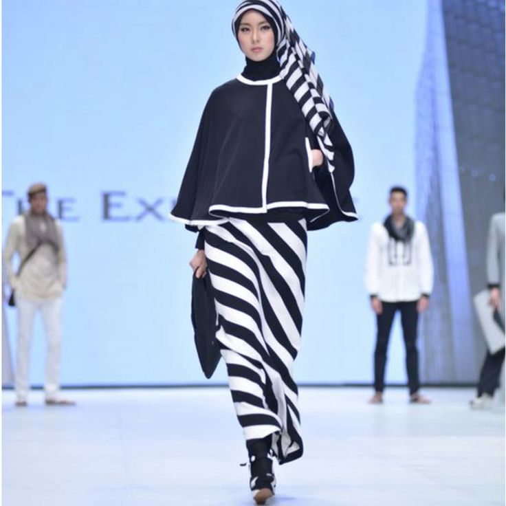 Black and white series collection Hannie Hananto for Indonesia Fashion Week 2014