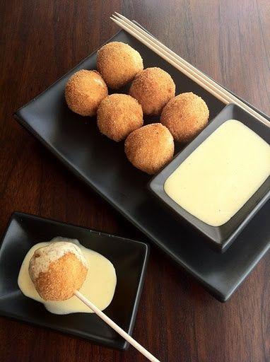 Croquetas de queso y boletus