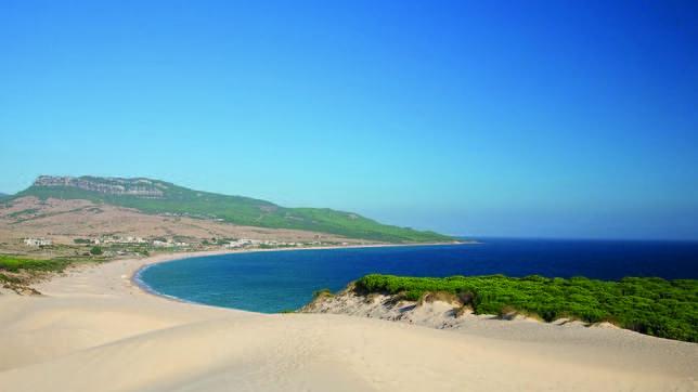 Playas bonitas   Bolonia, entre las playas más bonitas de España - abcdesevilla.es