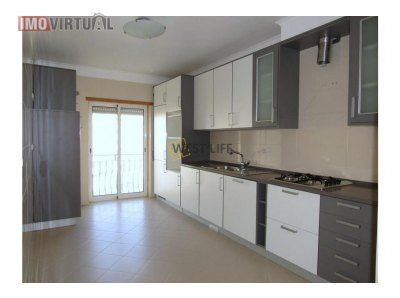 Apartamento t2 com excelentes áreas imóvel de banco
