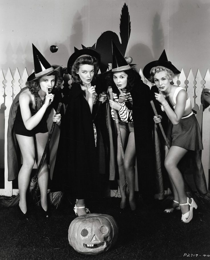 Barbara Britton, Katharine Booth, Ella Neal and Eva Gabor c. 1941 #vintage Halloween