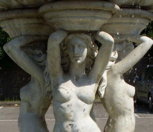 Frauenbrunnen, Arcen - Foto: S. Hopp