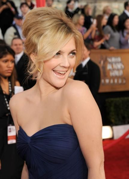 Google Image Result for http://www.aahairstyle.com/wp-content/uploads/2010/01/Drew-Barrymore-updo-hairstyle-1.jpg