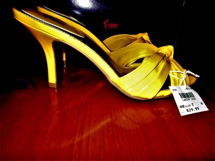 Pretty Sunny Yellow Amarillo Fioni Spring Shoes Margot Sz 7 1/2 W New In The Box #Fioni #Mules #DressCasualWork