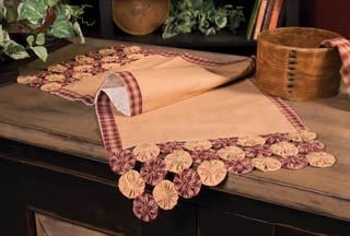 ~ Table Runner trimmed w/ Yo-Yos ~ This would be awesome in a Patriotic Theme too....