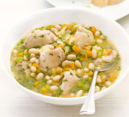 Chicken and white bean stew 291 kcalories, protein 30g, carbohydrate 24g, fat 9 g, saturated fat 2g, fibre 11g, sugar 9g, salt 0.66 g