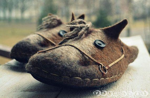 Wolle Filz Hausschuhe Pferde mit Leder-Sohle von VILNUKAI auf Etsy