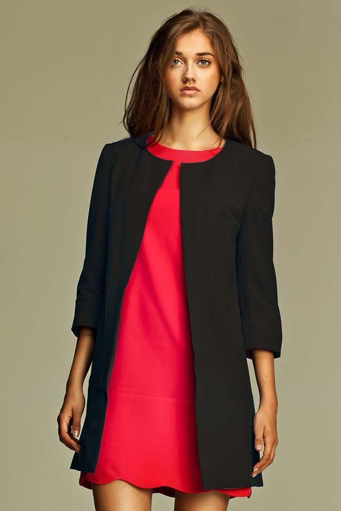 Wydłużany żakiet damski w czarnym kolorze