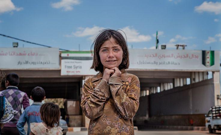 Sopravvivere in Siria. Gli scatti di Giulio Tonincelli da un Paese in guerra, tra macerie e sorrisi rubati. Guarda la gallery.