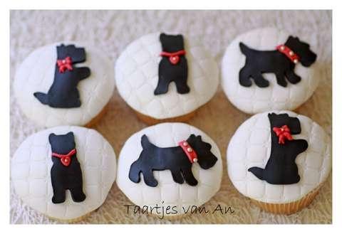 Cookie inspiration: Scottish Terrier cupcakes made by Taartjes van An Nunspeet.jpg