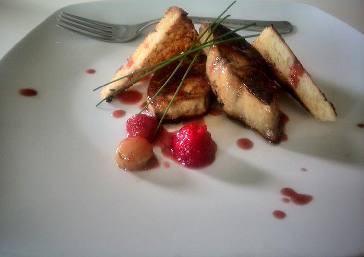 Scaloppa di fois gras salsa di uva spina e toast francese #mangiaredadio #foodporn #recipe