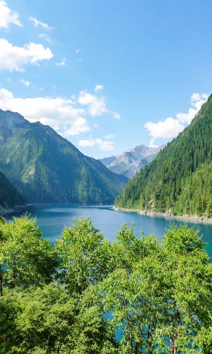 Visiting Jiuzhaigou national park, China Guide
